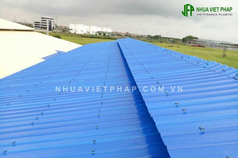 Chọn mái lợp nhựa phù hợp với nhu cầu sử dụng