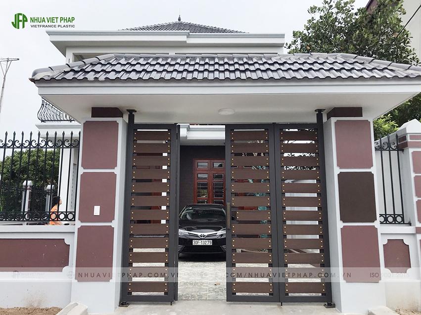 cổng biệt thự; cổng gỗ nhựa