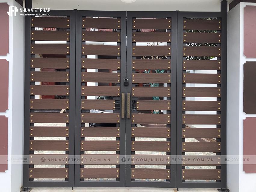 Cổng biệt thự đẳng cấp từ gỗ nhựa